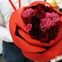 100本の紅バラを贈れば特別な誕生日