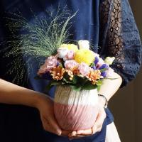中秋の名月近くの誕生日には月見イメージの花