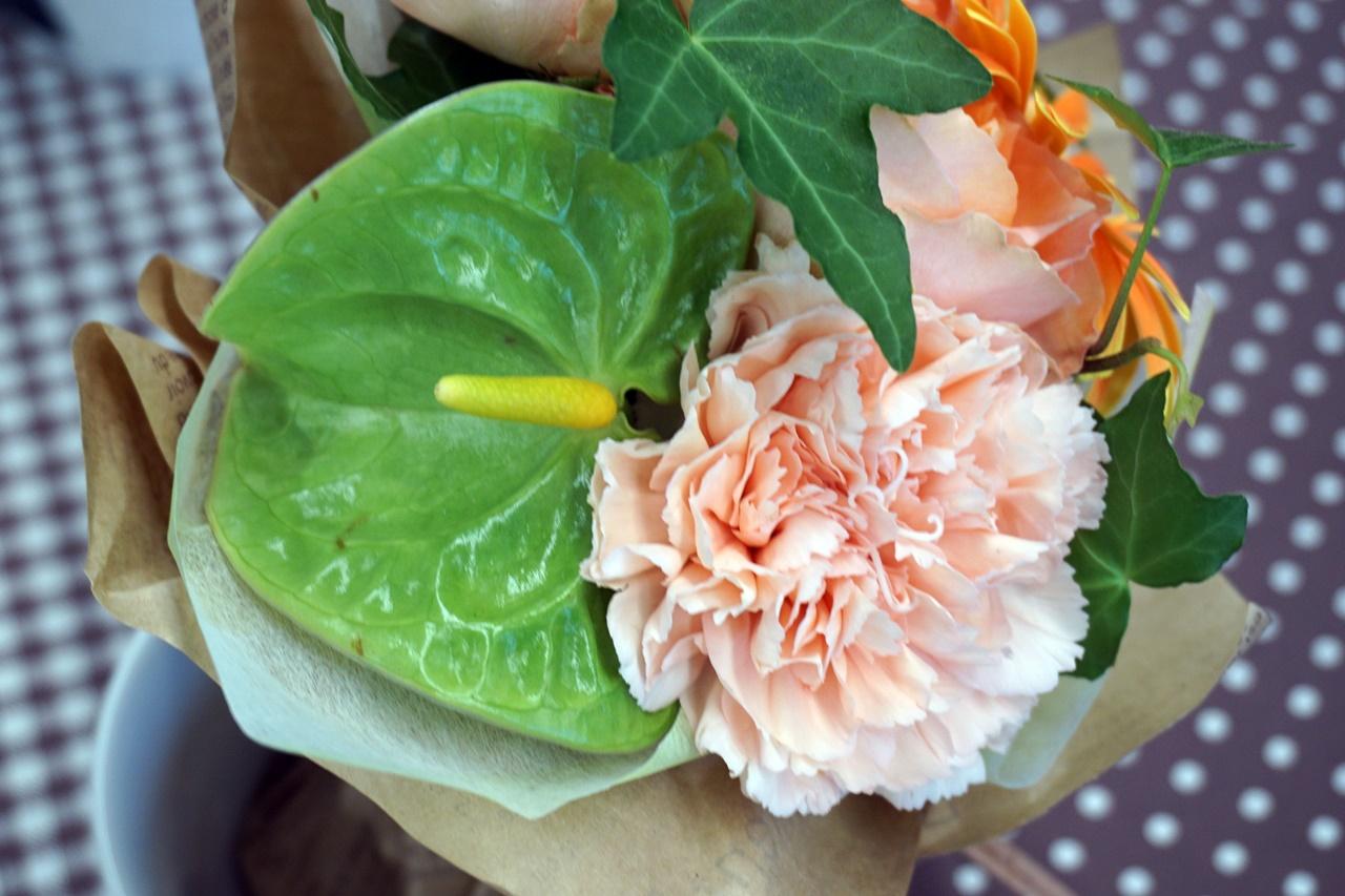 日比谷花壇:花束「男性へ気持ちを伝えるMESSAGEMAG」