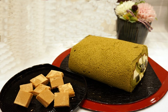 【e87】アートフラワーセット「京都吉祥庵 茶の雫ロールケーキ&とろけるきな粉の生チョコ」