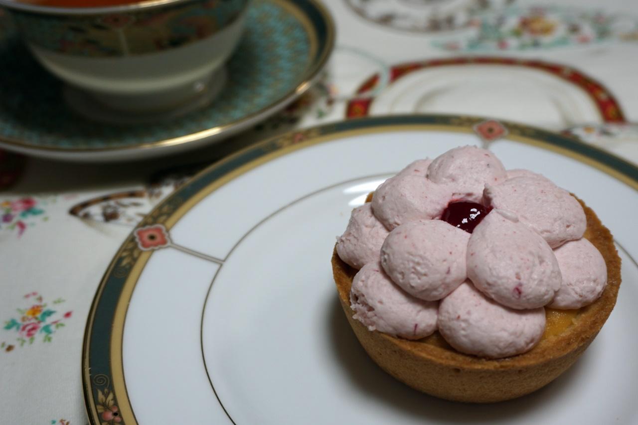 ■【日比谷花壇】花咲くローズカップタルト ピンク