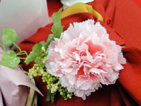 京都・宇治 伊藤久右衛門 母の日特選花咲竹かごセット カーネーションのデコレーション