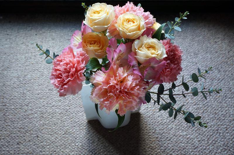 母の日 リバティプリント エプロンブーケ「アーキー」のブーケを花瓶に