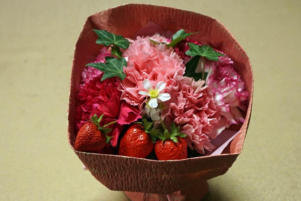 【日比谷花壇】母の日 そのまま飾れるブーケ「ストロベリーピンク」届いて3日目の4月6日
