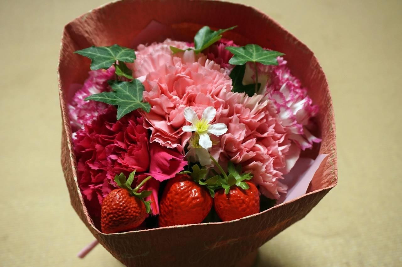 【日比谷花壇】母の日 そのまま飾れるブーケ「ストロベリーピンク」届いて4日目の4月7日