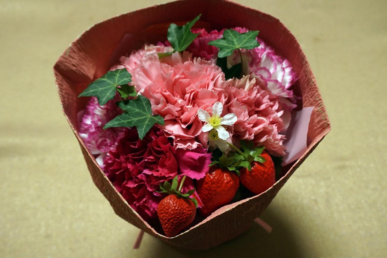 【日比谷花壇】母の日 そのまま飾れるブーケ「ストロベリーピンク」届いて7日目の4月10日