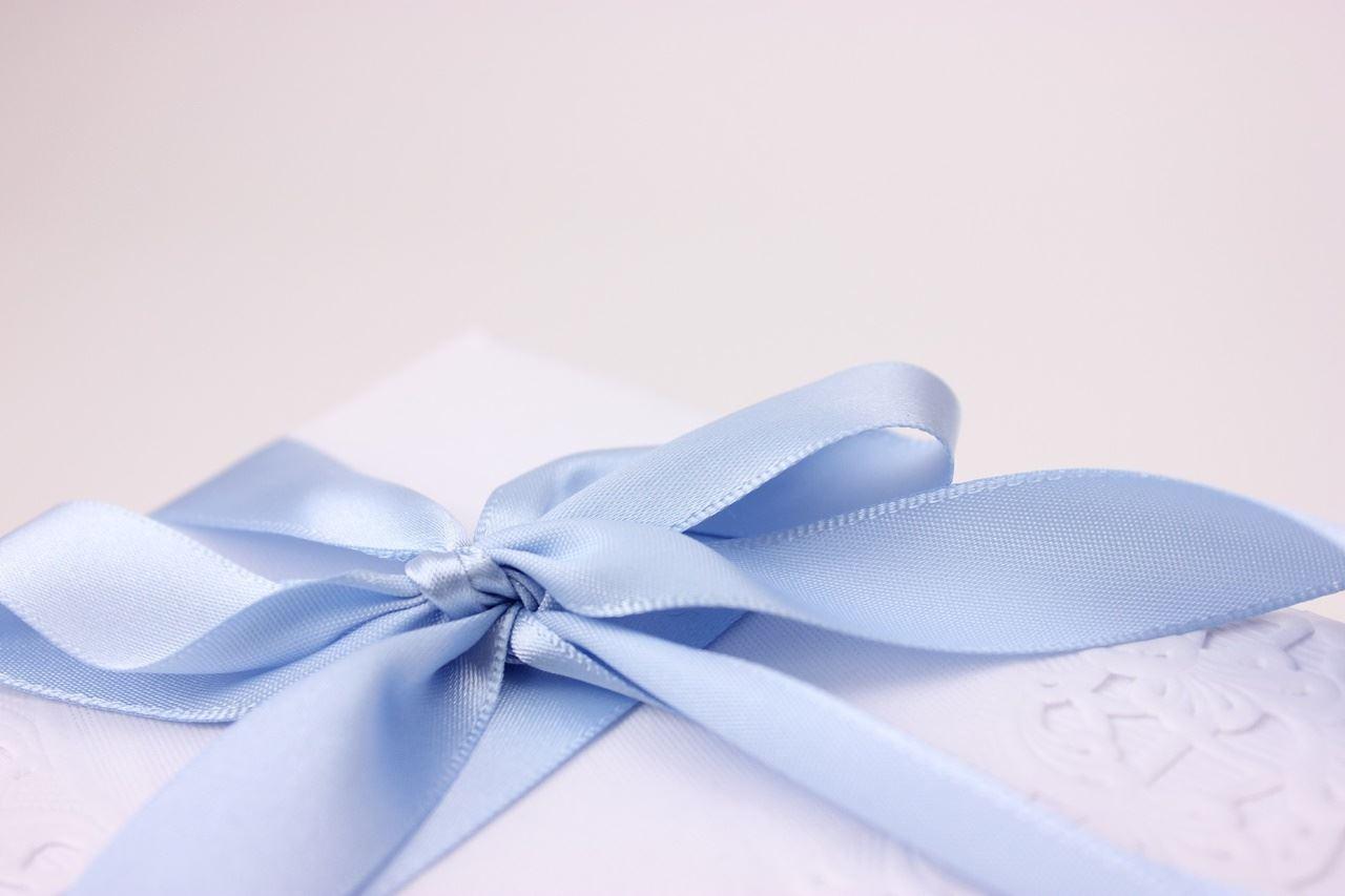 プレゼントのイメージ写真